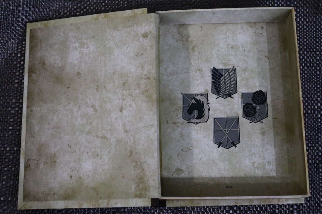 進撃の巨人 BOOK型小物入れ 画像レビュー